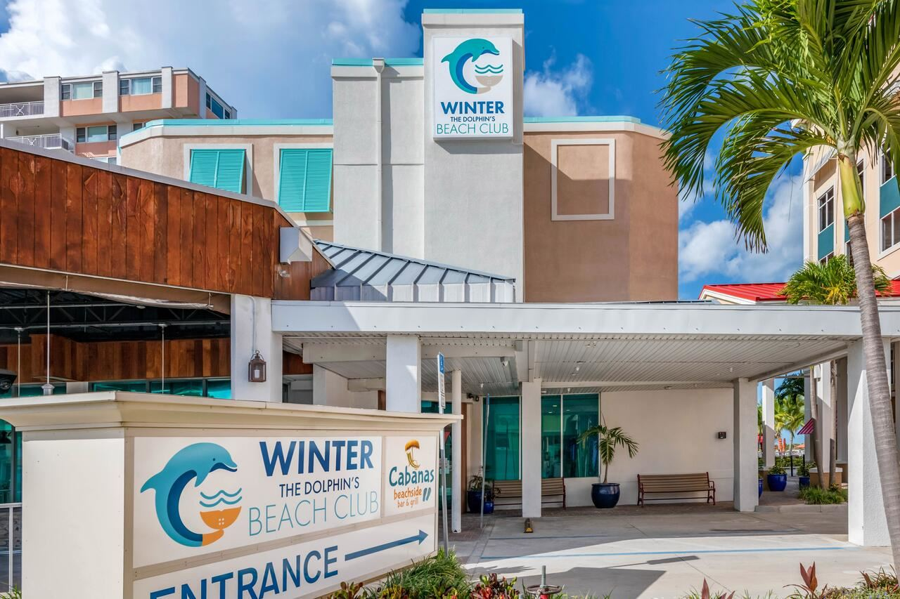 Winter The Dolphin's Beach Club, Ascend Hotel Collection
